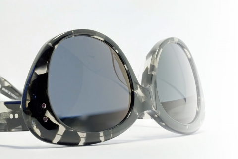 Oliver Goldsmith  - Sophia (1958) in Black Tortoiseshell