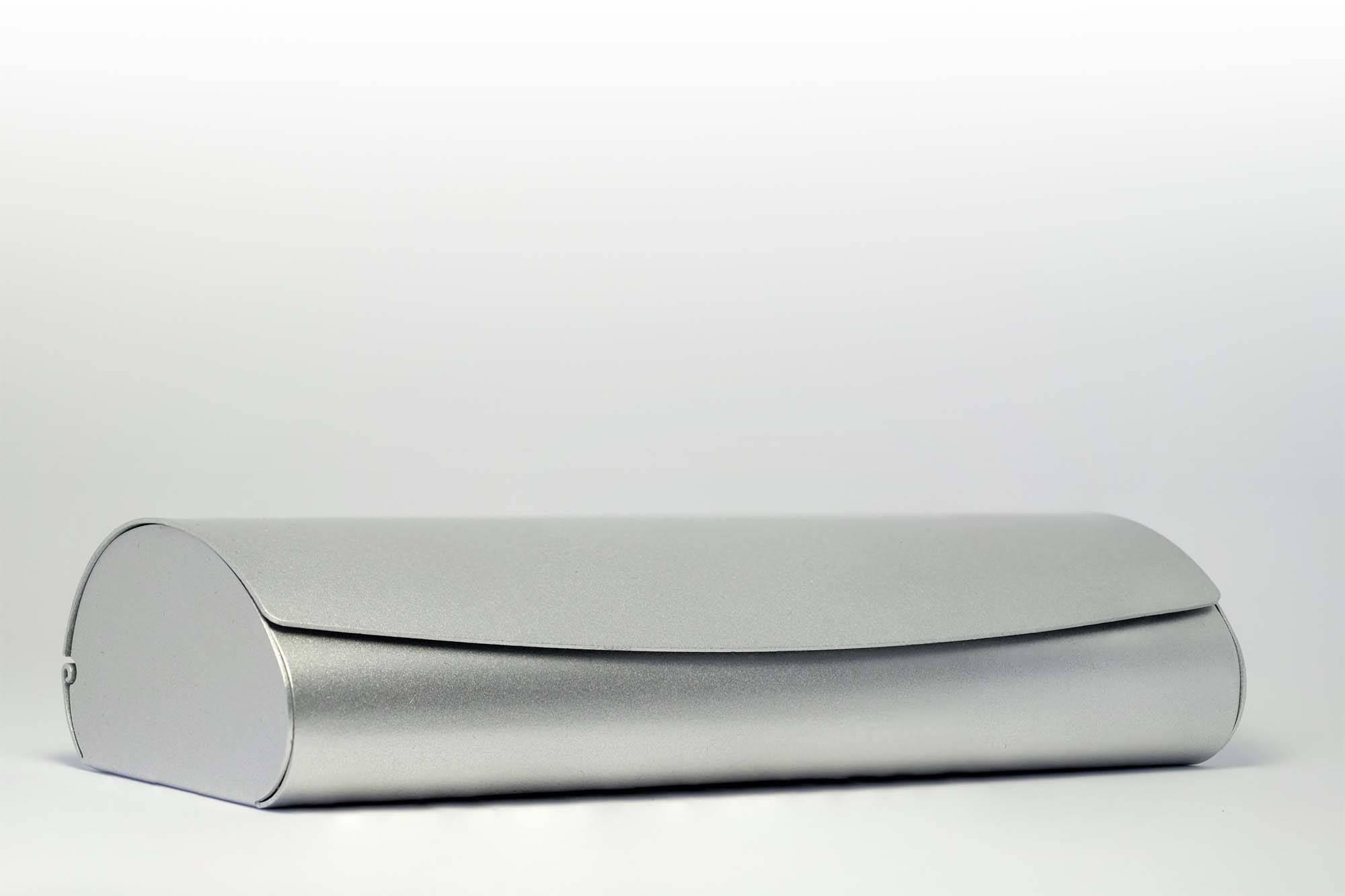 Alu-Klappetui mit Magnetverschluss, silber
