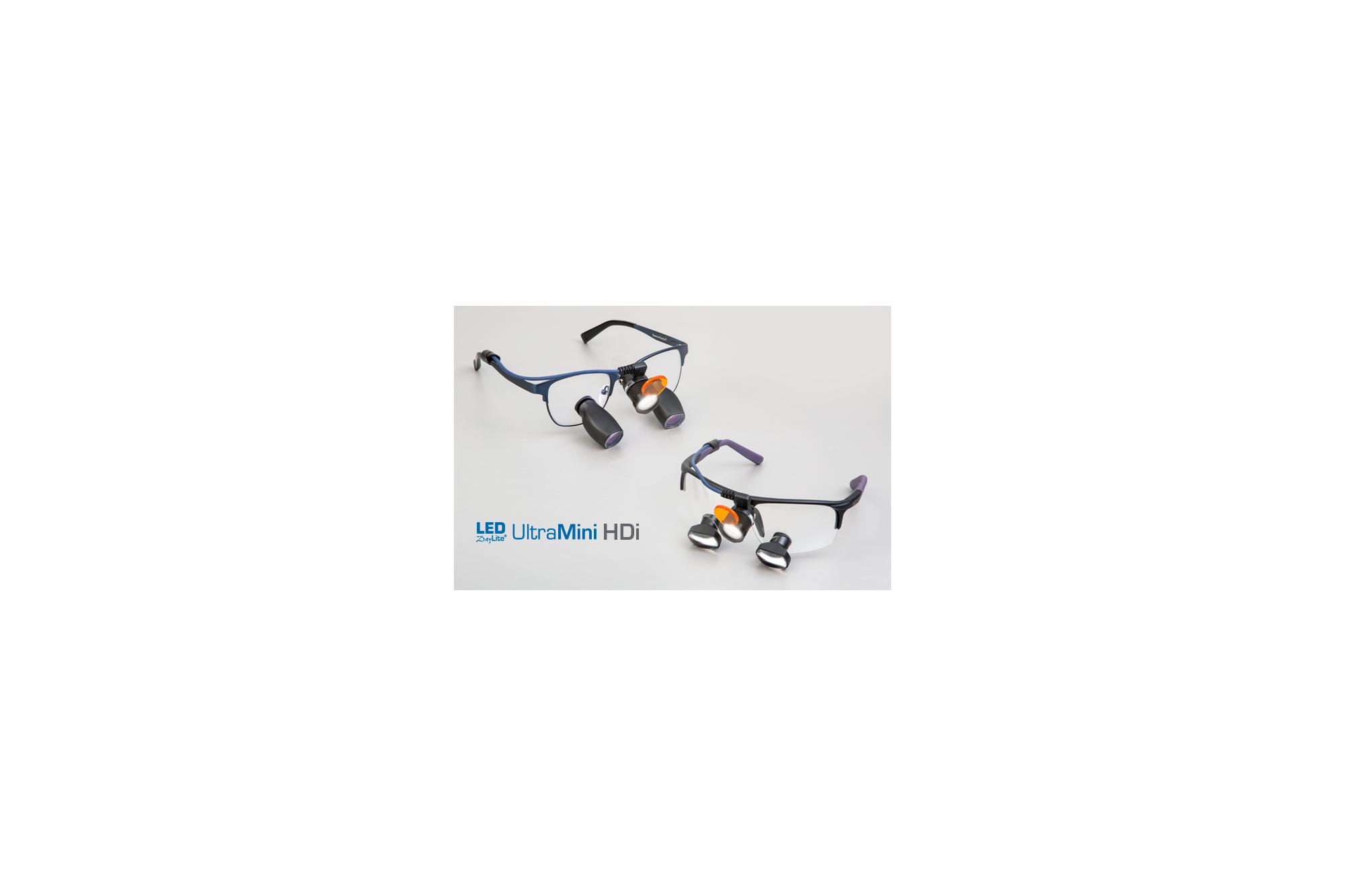Chirurgische Lupenbrille von Designs for Vision, Beleuchuntssystem LED DayLite® UltraMini HDi